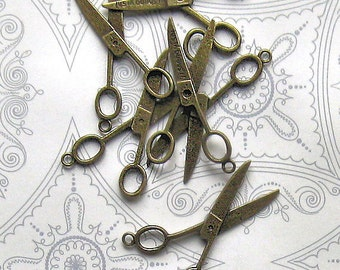 5 Large Scissor Charms Antique Bronze Tone 3D - BC088
