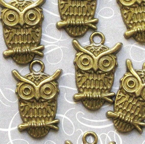 10 Owl Charms Antique Bronze Tone - BC055