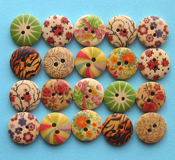 20 Painted Wood Buttons Floral Design Assortment 18mm BUT157
