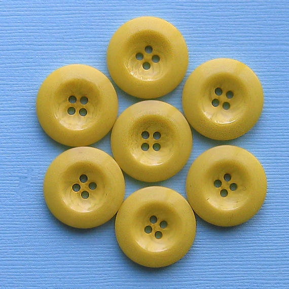8 Yellow Resin Buttons Top Quality 22mm - BUT201