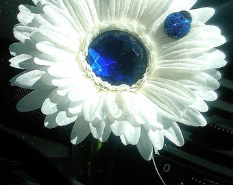 VW Beetle Flower - White and Blue  Bling Daisy