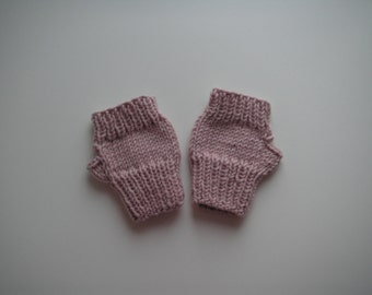 Fingerless mittens for little girl, knitted in dusty pink baby cashmerino yarn