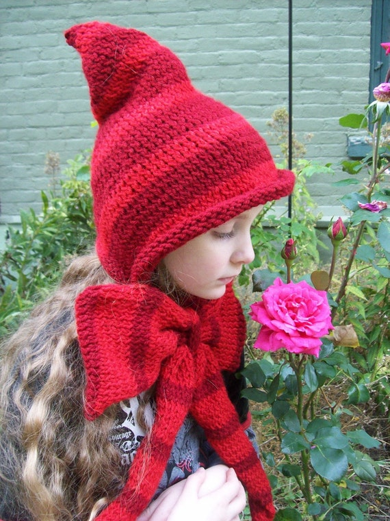 Featured in Parenting Magazine! Little Red Riding Hood: Knit Little Red Riding Hood Hat Into the Woods Gift idea Woodland Christmas Gift