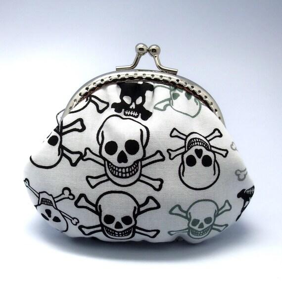 Skull - Small clutch / Coin purse (S-068)