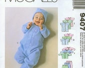 Preemie and Baby Layette McCall's 9407 Gowns Rompers Tops Pants Cap Booties (Nouveau-Ne et Premature Layette)