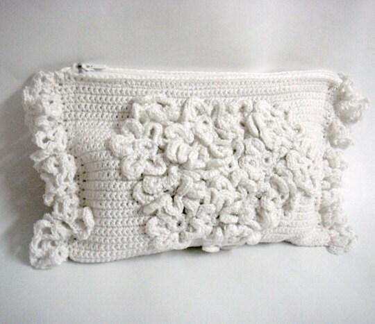 Free Crochet Wedding Bag Pattern : Crochet Clutch Pattern Wedding Bridal Purse Bridal
