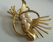 Vintage brooch, retro pearls and crystals brooch, jewelry, jewellery
