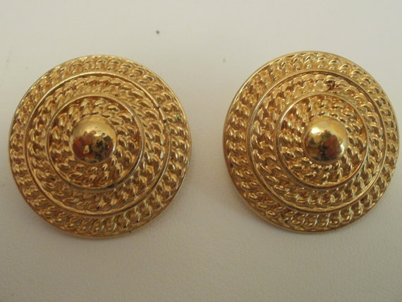Vintage Monet earrings,signed, 1950s vintage, gold tone ,clip-ons