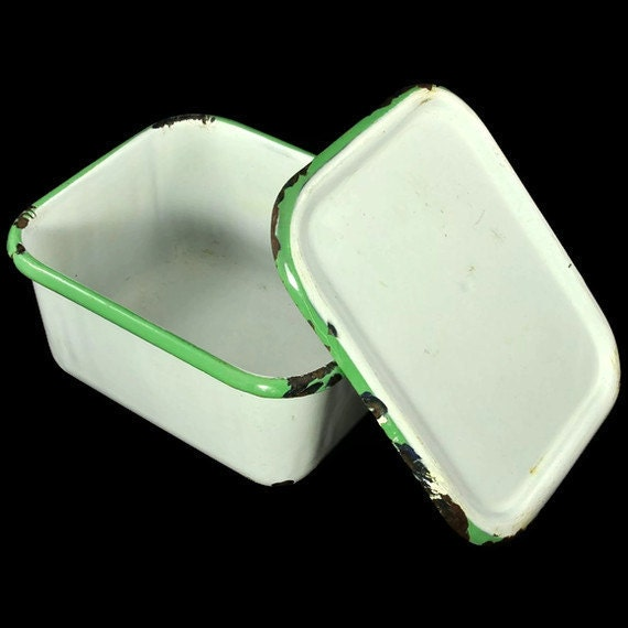 Enamelware Covered Pan, Graniteware with Lid - Green and White Box