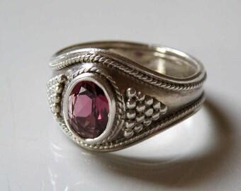 Pink Rhodolite Garnet ring - semi precious stone - Sterling silver - handmade - Tribal Art - ringsize 16