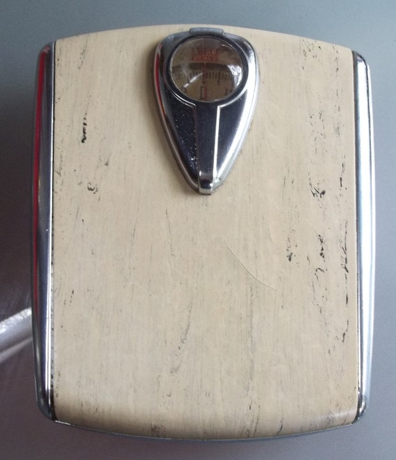 Vintage borg art deco bathroom scale for Borg bathroom scale