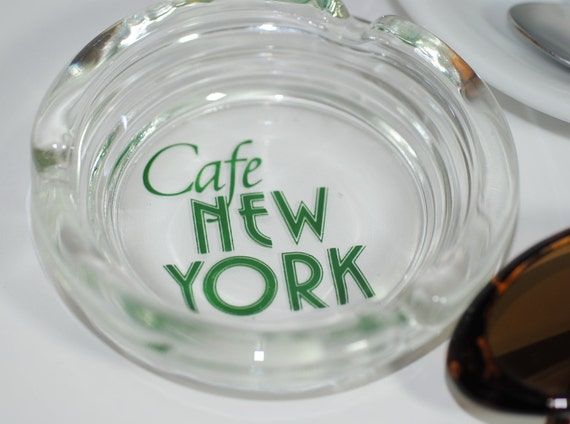 CLEARANCE Cool Vintage ''Cafe New York'' Glass Ash Tray