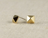 Pyramid Earring Stud Gold - Pyramid Stud Earring,Posts,Modern,High Fashion,Urban - Gifts for Girlfriend, Bridesmaids, Wife, Best Friend