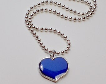 MOOD Necklace Heart with Color Changes, Great Tween Party Gift, Like Sixties Retro Mood Rings, Girls Gift