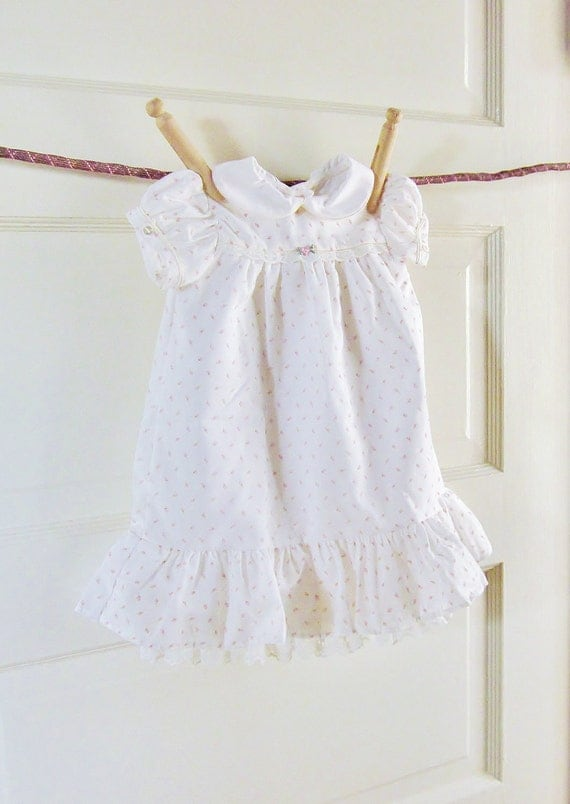 Vintage Pink Rosebuds Dress Newborn 32 Year Old Baby Dress With Bonnet