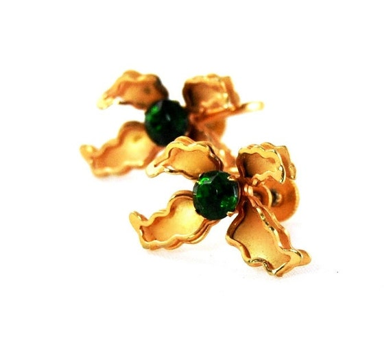 Items similar to vintage bugbee niles rhinestone flower for Bugbee and niles jewelry