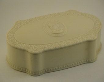 Luxor Plastic Vanity Box