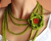 Gentle Crochet Necklace with Flower in Light Green
