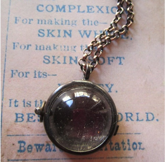 Bubble Glass Locket Necklace - Vintage-Style