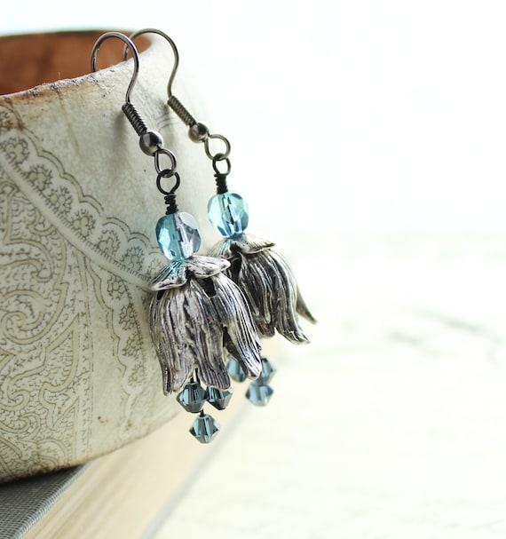 Silver Flower Earrings, Tulip Blossoms, Beaded Earrings, Floral Jewelry, Smokey Blue, Summer Fashion