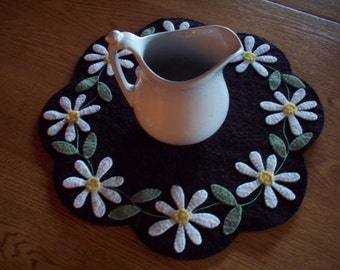 Wool Felt Daisy Table Mat