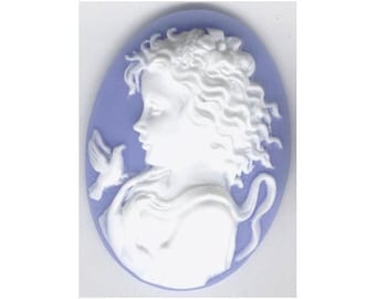 resin Girl with bird profile cameo Blue and white 40x30mm item 815q