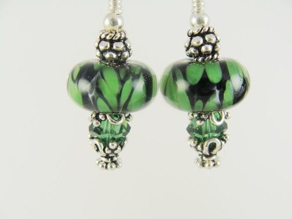 Glass Bead Earrings, Green Dangle Earrings, Black Beaded Earrings, Lampwork Jewelry, Lampwork Boro Earrings