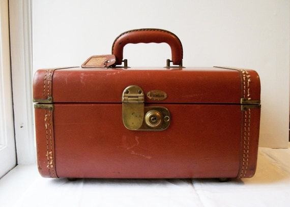 Vintage Brown Leather Maximillion Train Case - For your travels (or) great storage for crafts or cosmetics