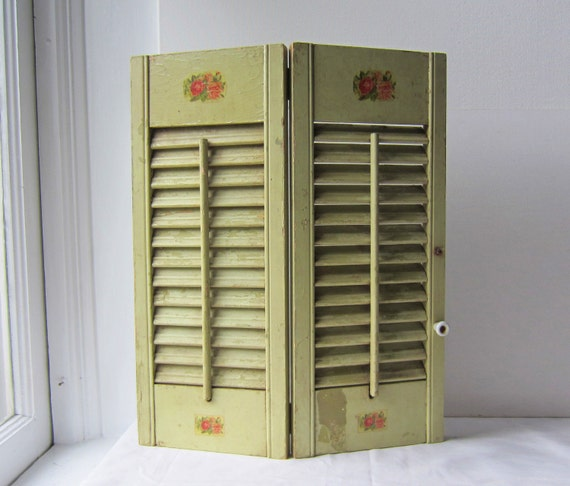 Vintage Window Shutter - Shabby Chic / Cottage Chic Decor