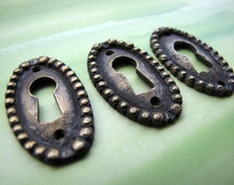 Indonesian Beaded Oval Brass Keyhole Escutcheons 2pcs
