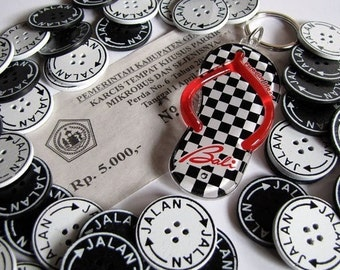 Jalan Jalan 25mm Black and White Buttons 6pcs