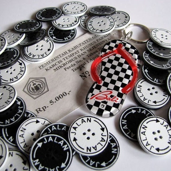 Jalan Jalan 25mm Black and White Buttons 6pcs