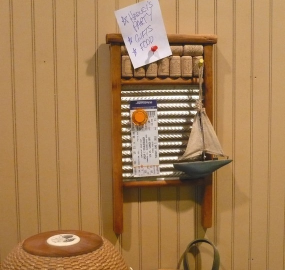 Vintage Wash Board Message Center