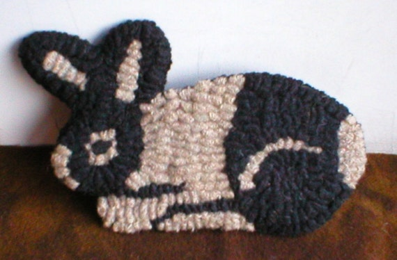 PrimiTive FolKart Hooked Rug Black and White Rabbit Ornament