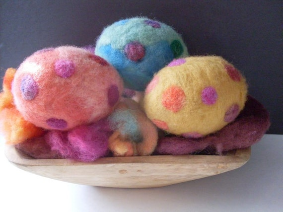 Primitive Folkart 3 Needlefelted Penny Eggs LJO Collection Needlefelted Eggs