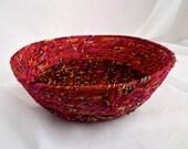 SALE... Magenta Bread Basket, Handmade Fabric Bowl, Deja VU Fuchia Fruit Basket, hand wrapped and hand coiled  fabric