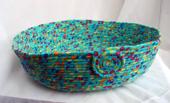 Turquoise Cat Bed, Handmade Aqua Cat Bed, Flannel Dog Bed, Cozy Flannel Pet Bed furnishings, hand wrapped and coiled fabric