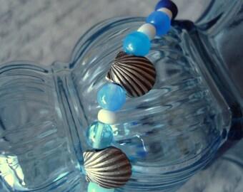 Blue and White Seashell Beaded Bracelet