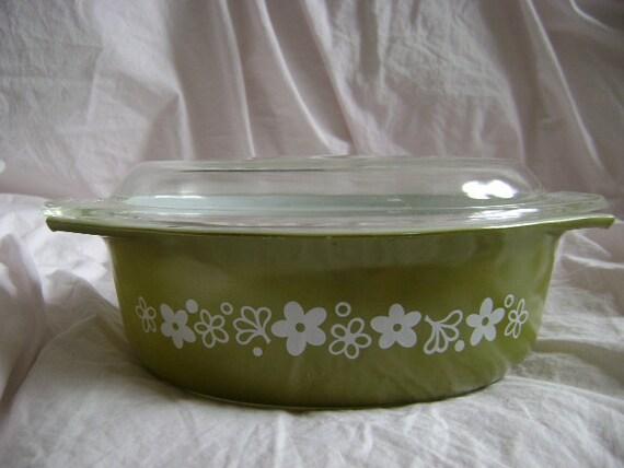Vintage Pyrex Oval Casserole Baking Bowl w/ lid - Spring Blossom