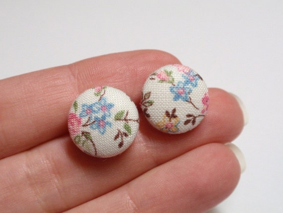 Fabric button earrings small size