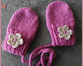 Hot pink Baby mittens, for 0-3-6-12 months baby girls, Pink Knit mittens, Handmade baby mittens, Baby gift