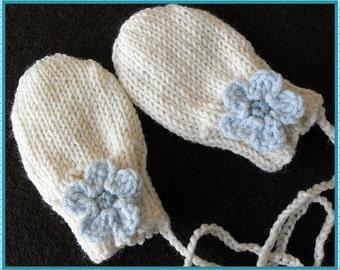 Baby cream color mittens, Newborn mittens, Cream hand knit gloves, Newborn gloves, Blue flowered gloves (0-3 months to 12 months baby girl)