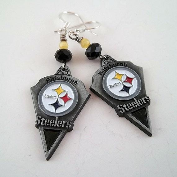 Handmade NFL Beaded Charm Earrings / Pittsburgh Steelers