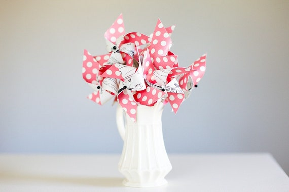 Set of 12 Mini Twirlable Pinwheels - 'Sew Retro'