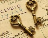 last-Big SALE-10pcs Vintage Antique Bronze plated brass Charms/Pendants-  (Key)-(HAB-62)