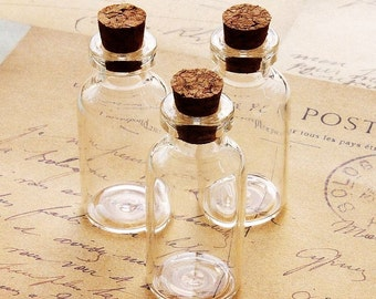 8 pcs 40x18mm Clear Glass Tiny Bottle Vials Charms / Pendants with  With Corks /EYEHOOKS (BOT-23)