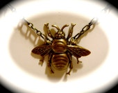 Beautiful Victorian Style Bumblebee Necklace