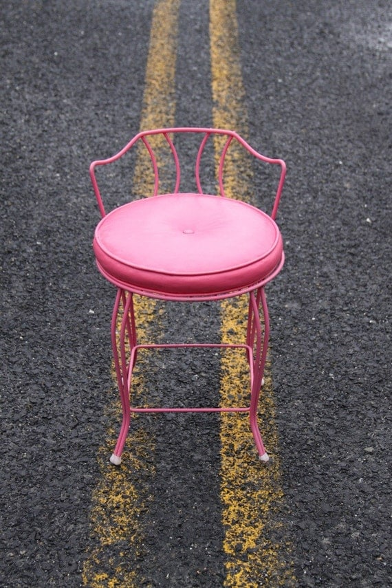 hot pink vanity chair