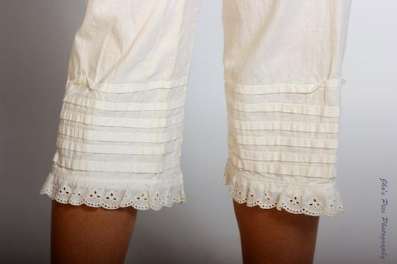 Vintage 1970s Ecru crème 3 quarter length knickerbockers pants