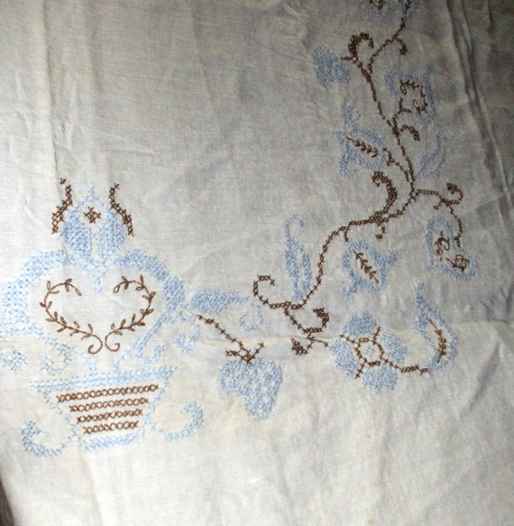 Tablecloth & Napkins Handmade Cross Stitch Embroidered Vintage Flowers Baskets Hearts SALE